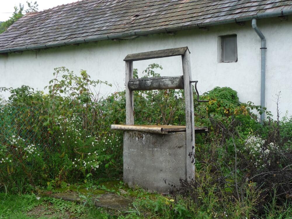 Brunnen-in-Felsoetold