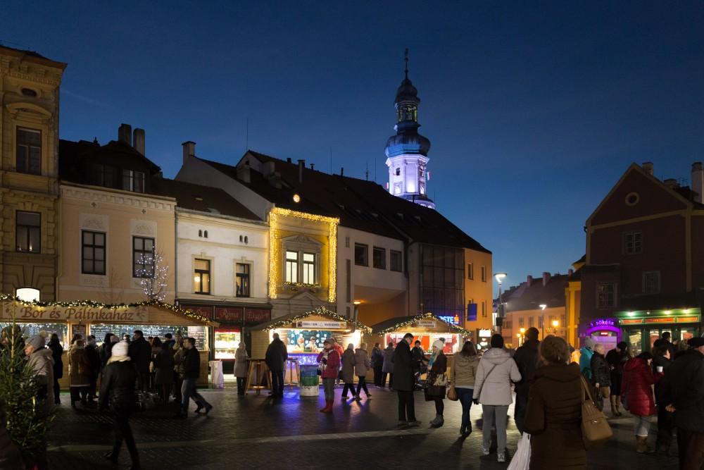 Adventmarkt Sopron Adventmarkt, Abendstimmung