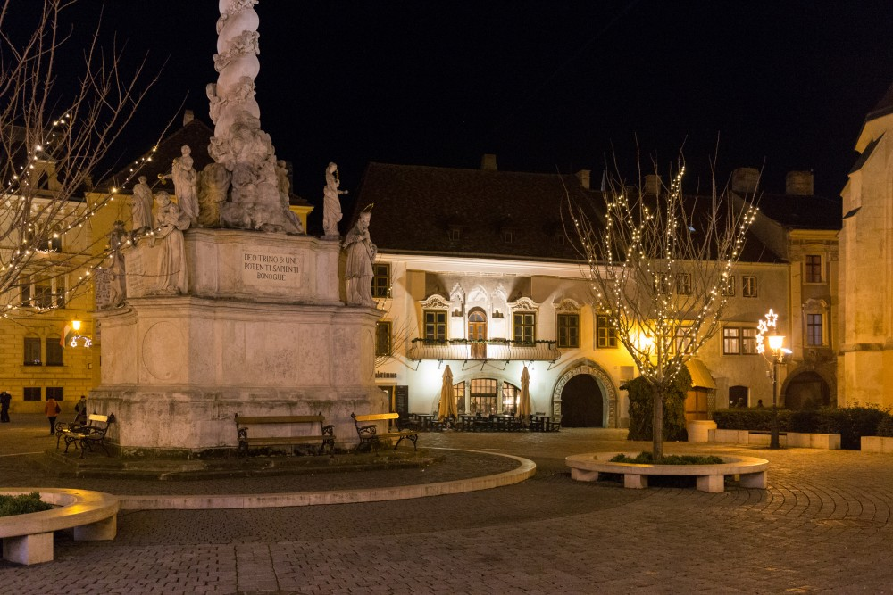 Sopron_Hauptplatz_Adventsbeleuchtung