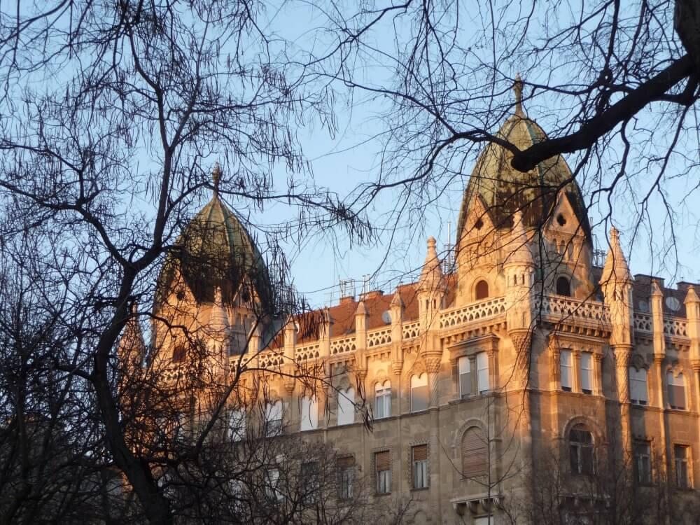 Winter am Szabadság tér in Budapest