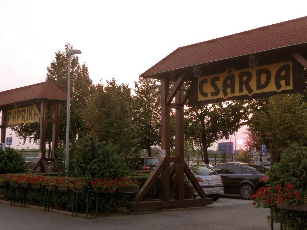 PaprikaCsardaParkplatz.jpg