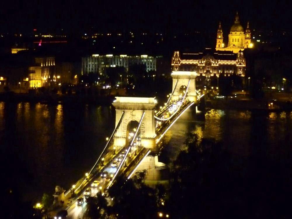 Kettenbrücke_nachts