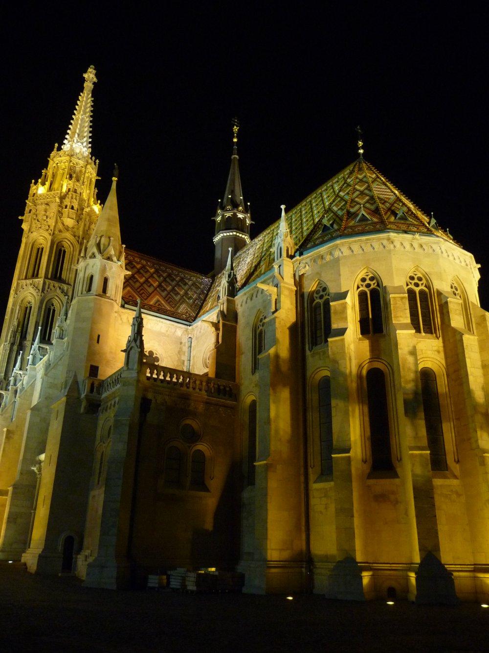 Matthiaskirche_nachts
