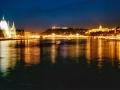 Nachtansicht_über_Donau