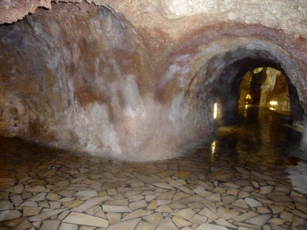 Höhlenbad-Gänge