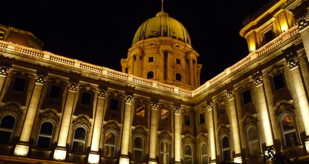 Ansicht Burg Buda bei Nacht