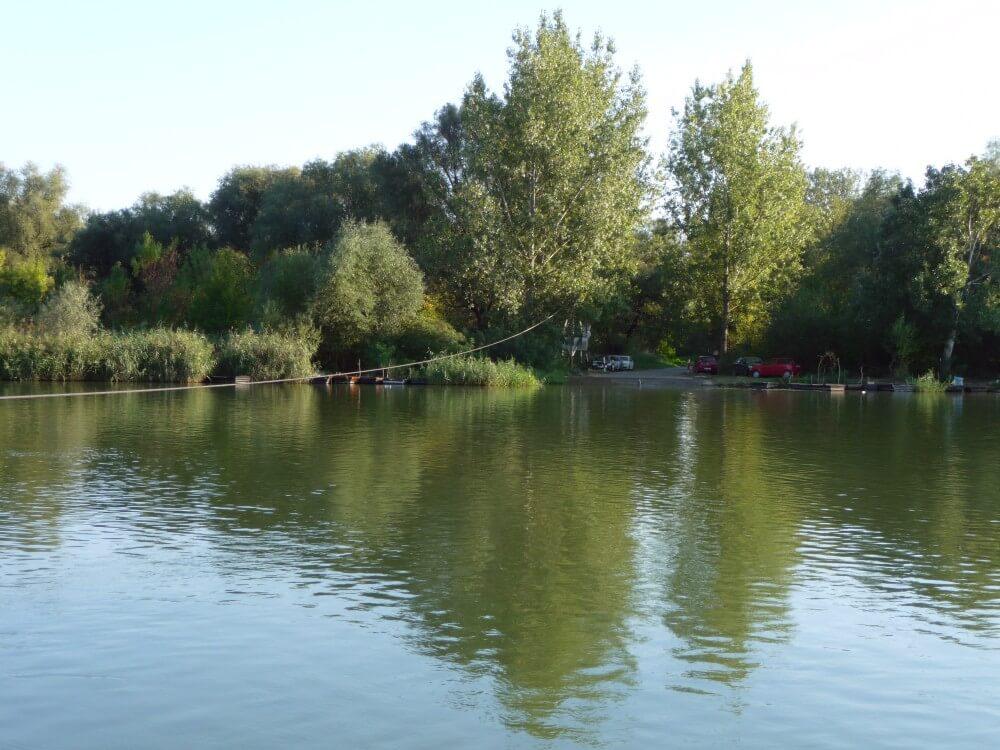 Fährverbindung über die Theiß (Tisza)