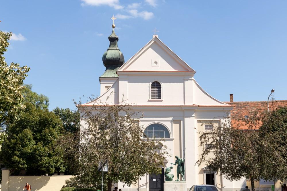 Sankt Martin Kirche Szombathely, Aussenansicht