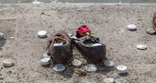 Schuhe an der Donau