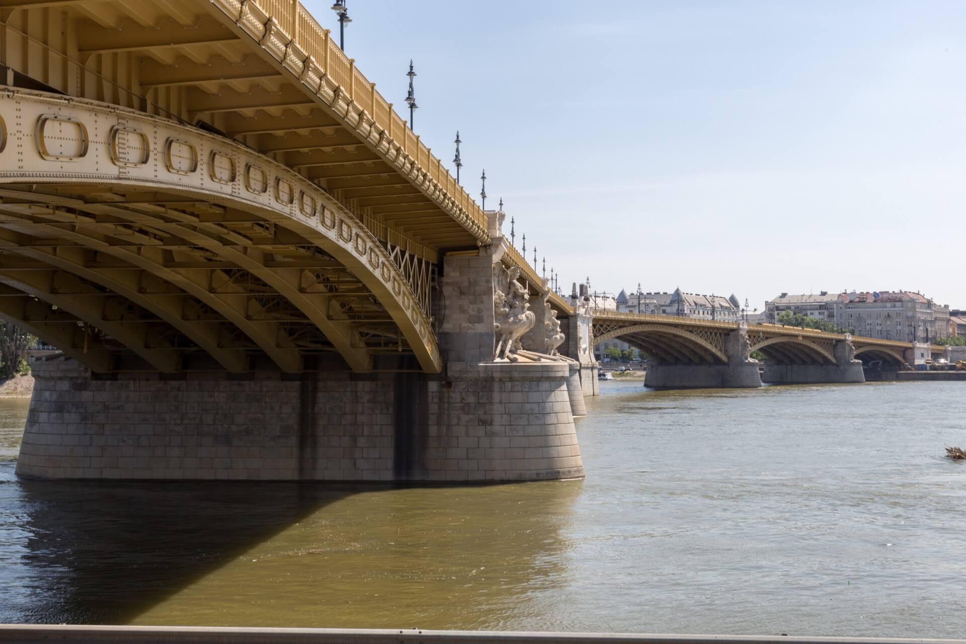 Margaretenbrücke Budaoest mit Knick