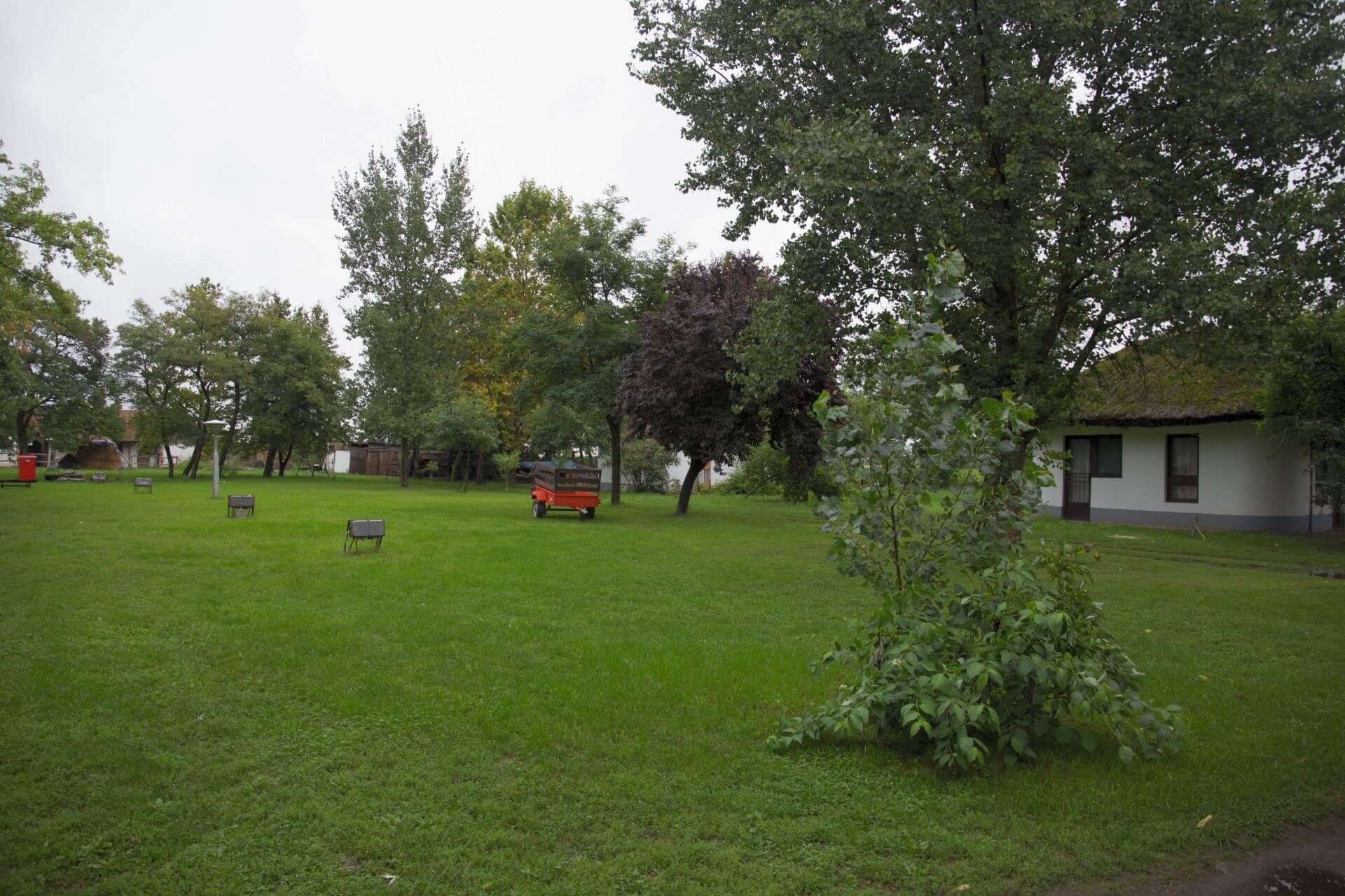Platz für Camper hinter der Patkós Csárda