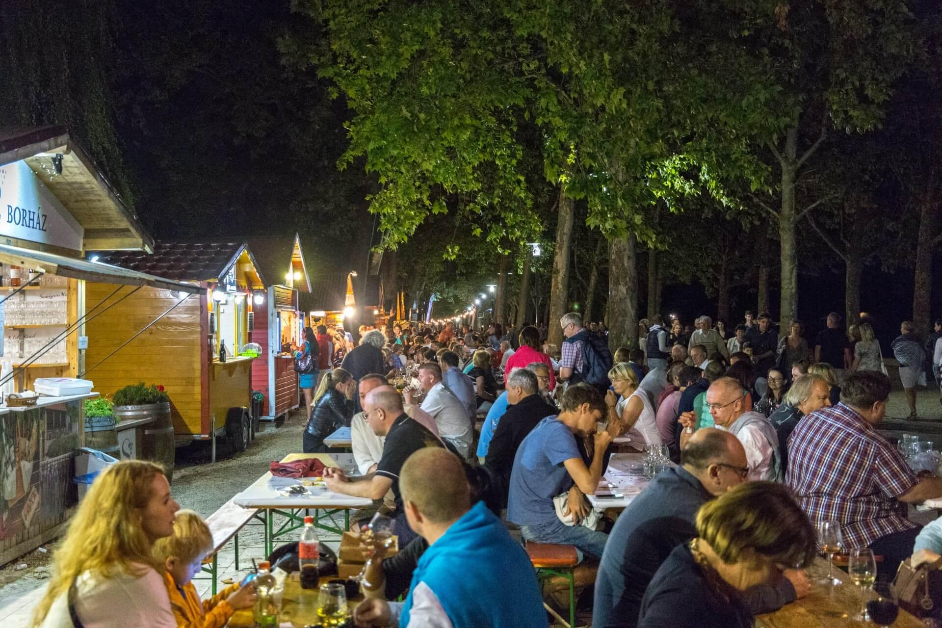 Abendstimmung auf den Weinwochen Balatonfüred