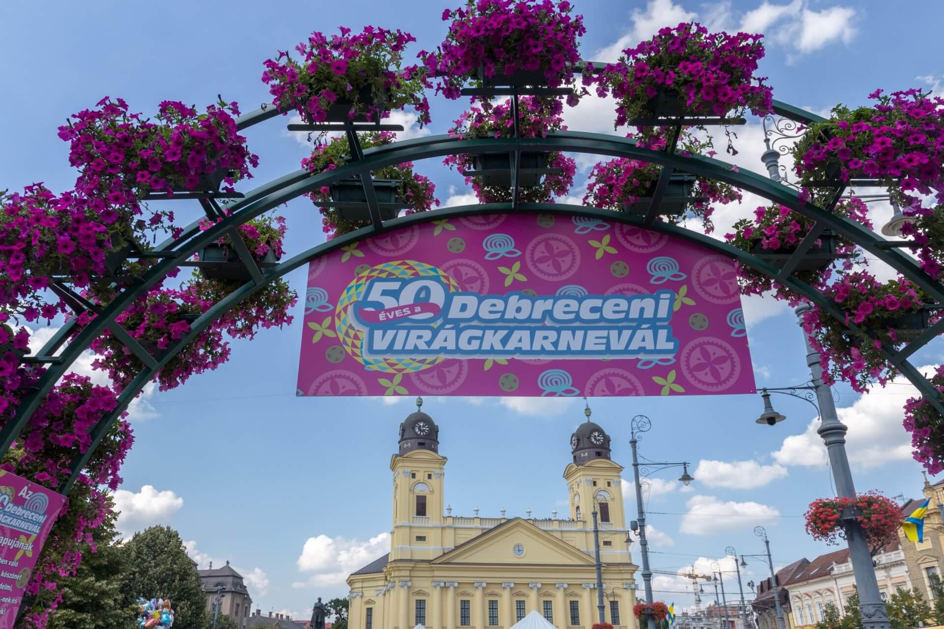 Blumenkarneval Debrecen, Große Reformierte Kirche