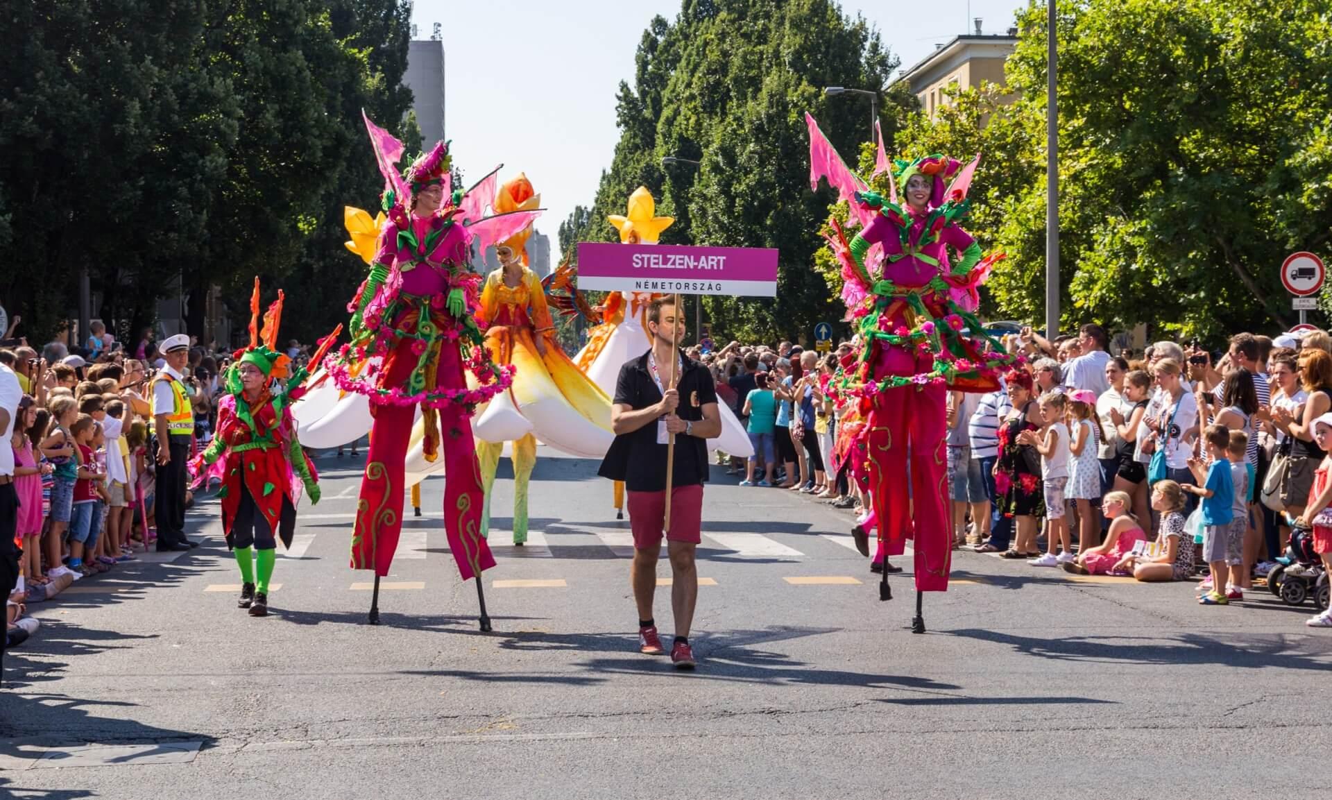 Blumenkarneval Debrecen, Stelzenart aus Deutschland