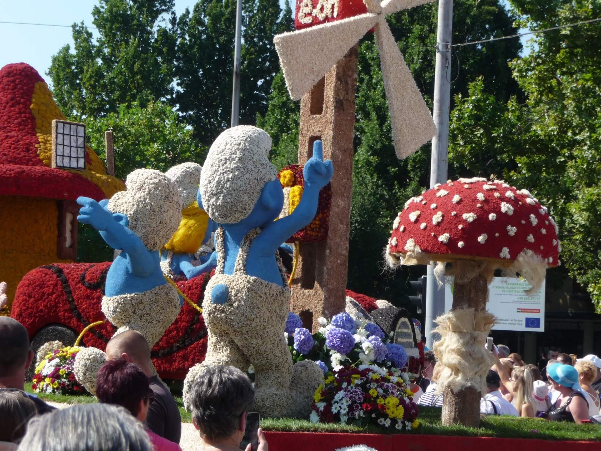 Blumenkarneval Debrecen, Wagen Schlümpfe