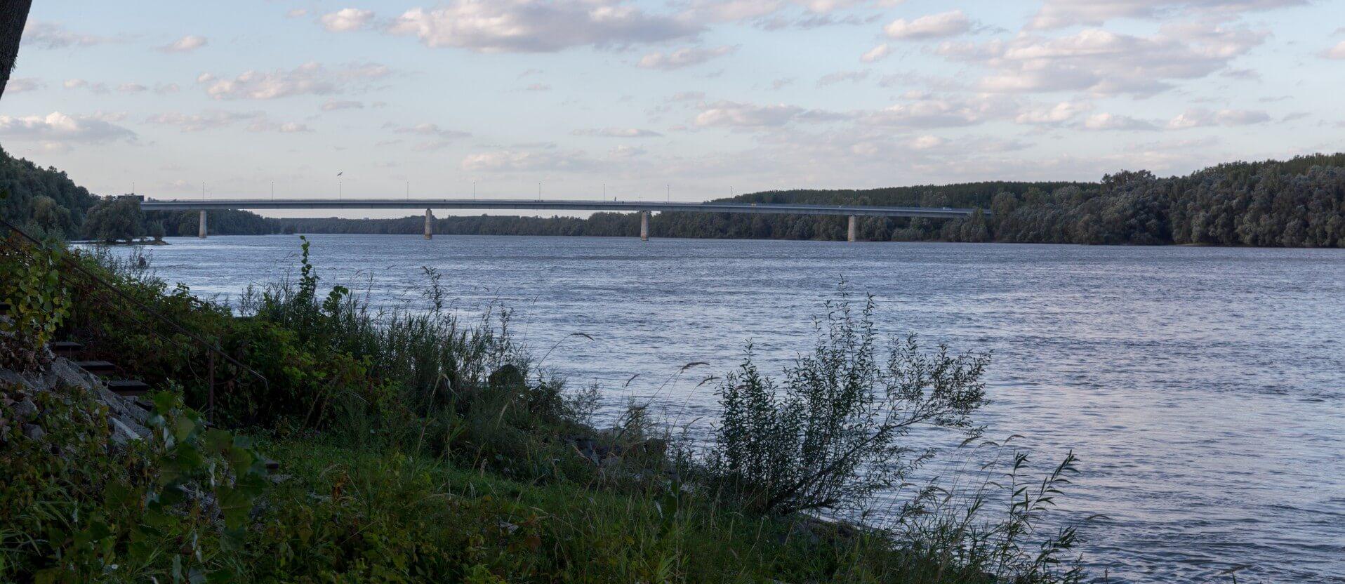 Szent László híd von Bóny-fok aus