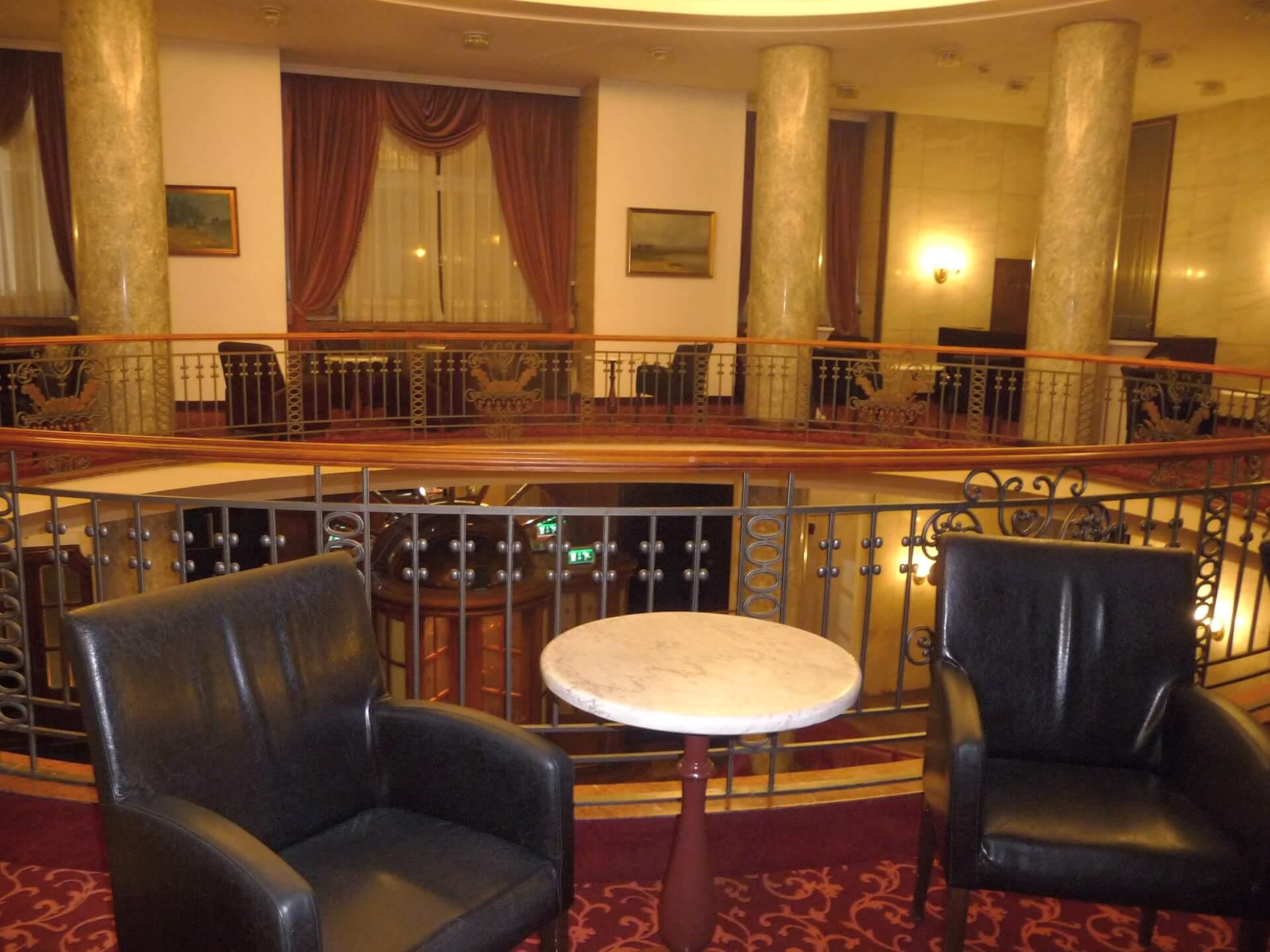Lobby oben im Gellért Hotel Budapest
