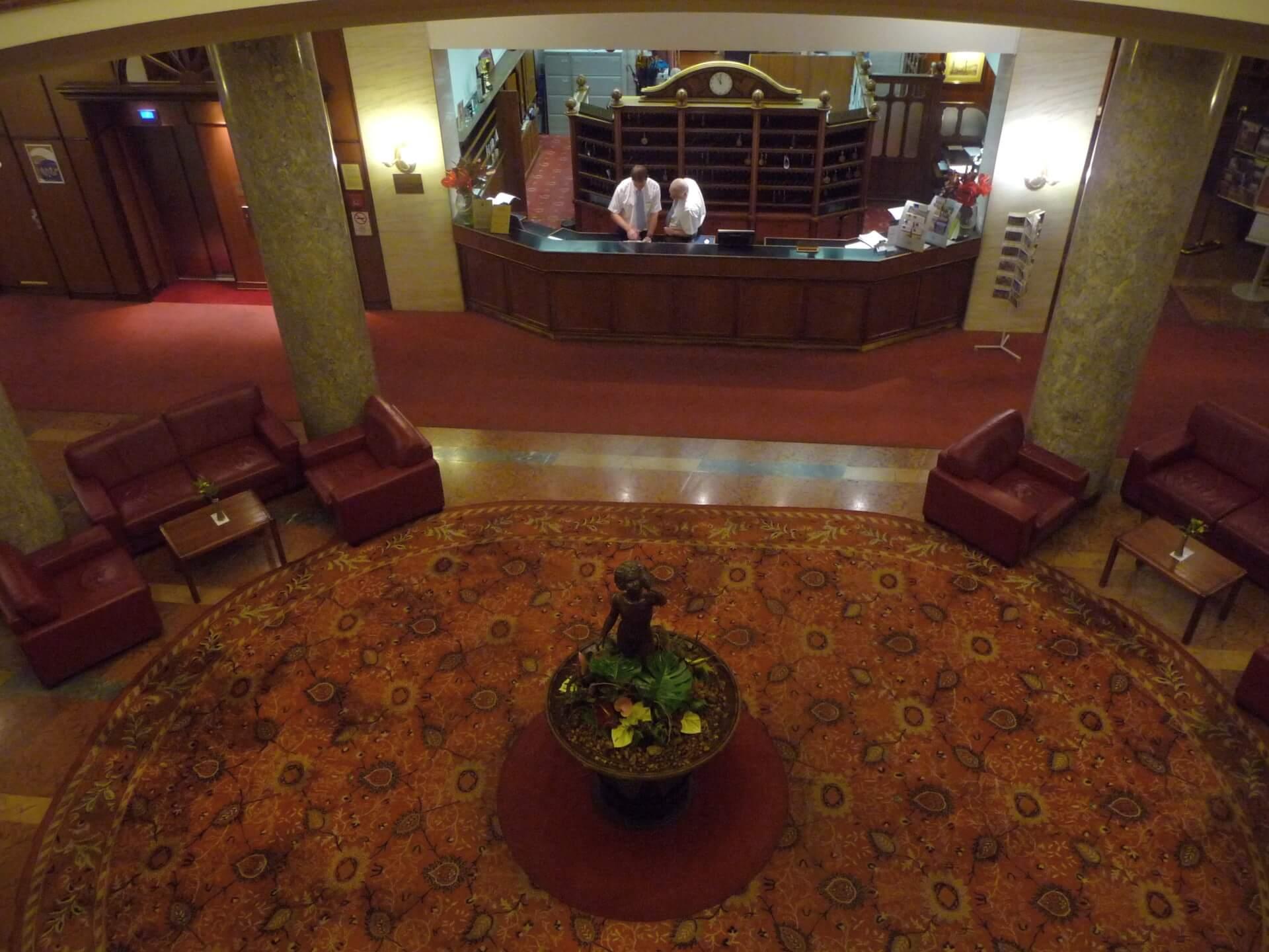 Rezeption von oben, Hotel Gellért Budapest