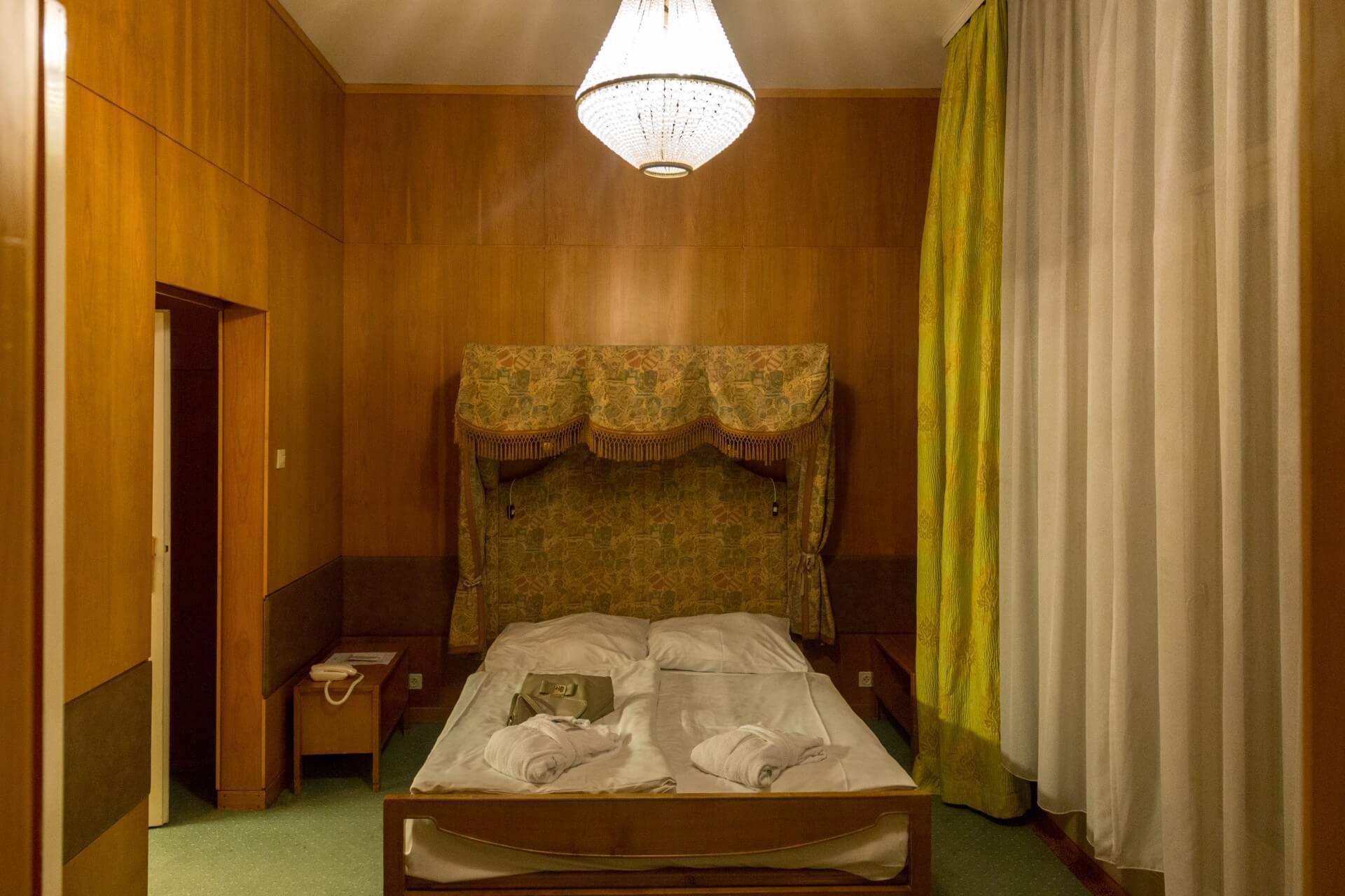 Separates Schlafzimmer im Hotel Gellért Budapest