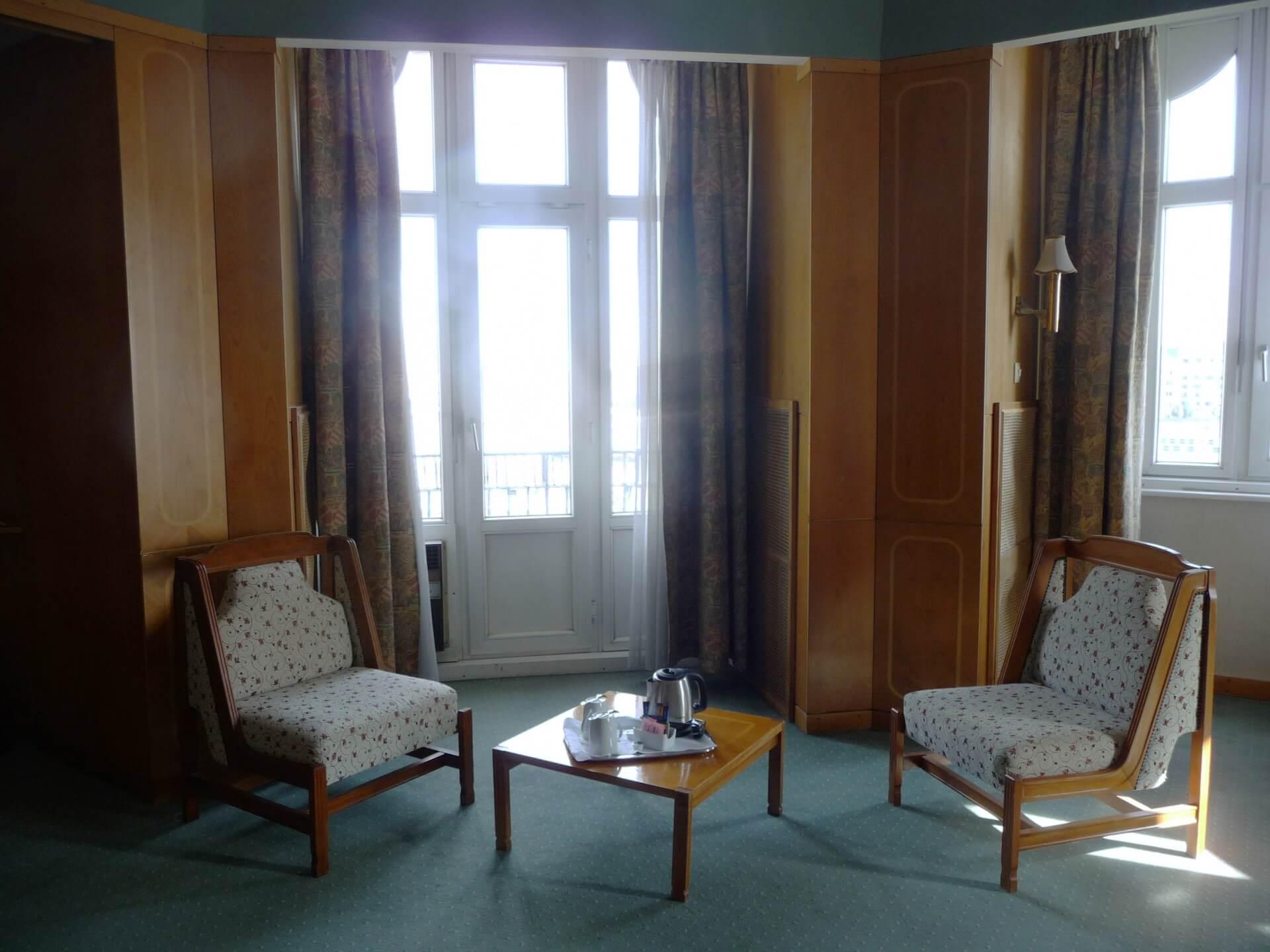 Weitere Sitzgruppe im Zimmer im Hotel Gellért Budapest