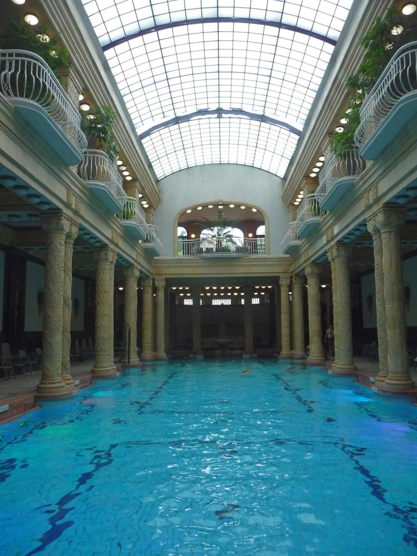Gellertbad, Schwimmbad