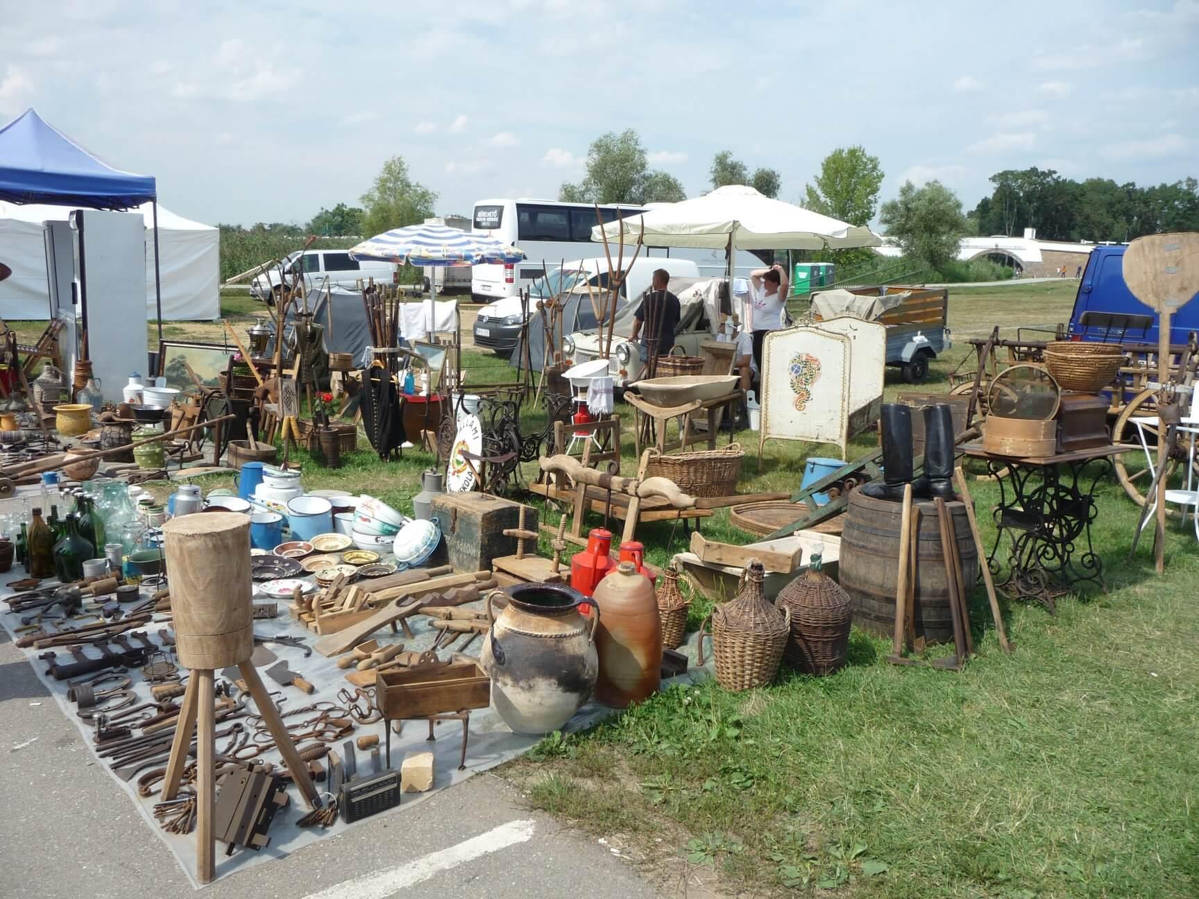 Antik und Trödel, Brückenmarkt Hortobágy