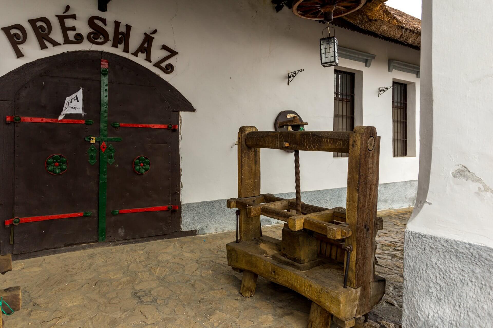 Eingang vom alten Presshaus