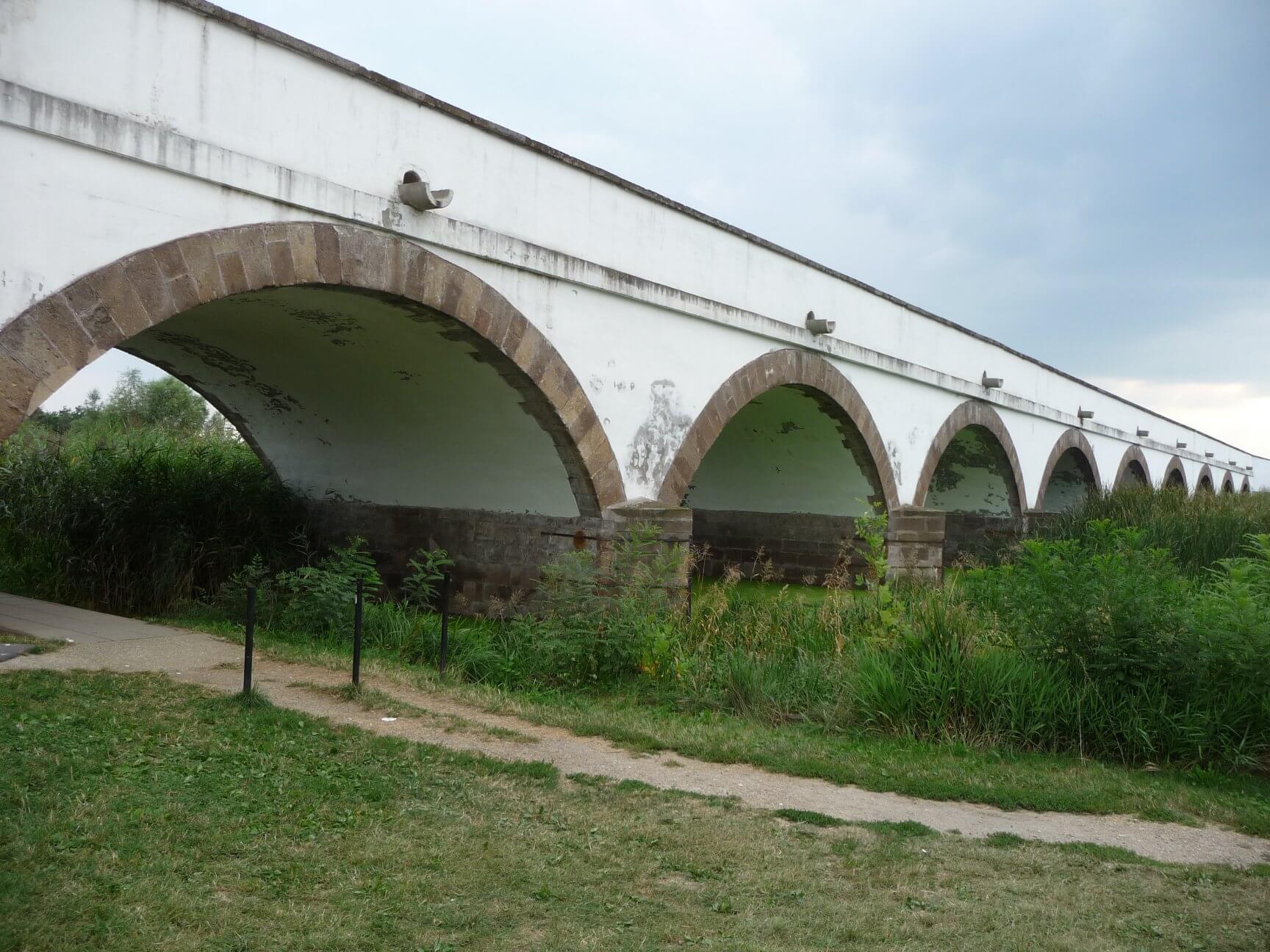 Neunlochbrücke in Hortobágy