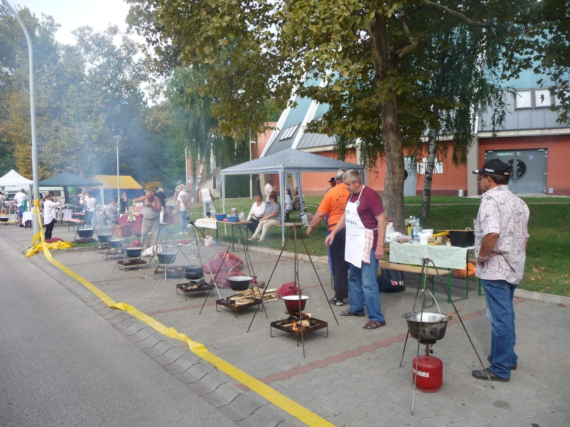 Kochpromenade auf dem Gulaschfest Szolnok