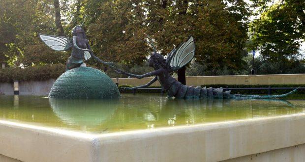 Szolnok, Bronzeskulptur Eintagsfliegen