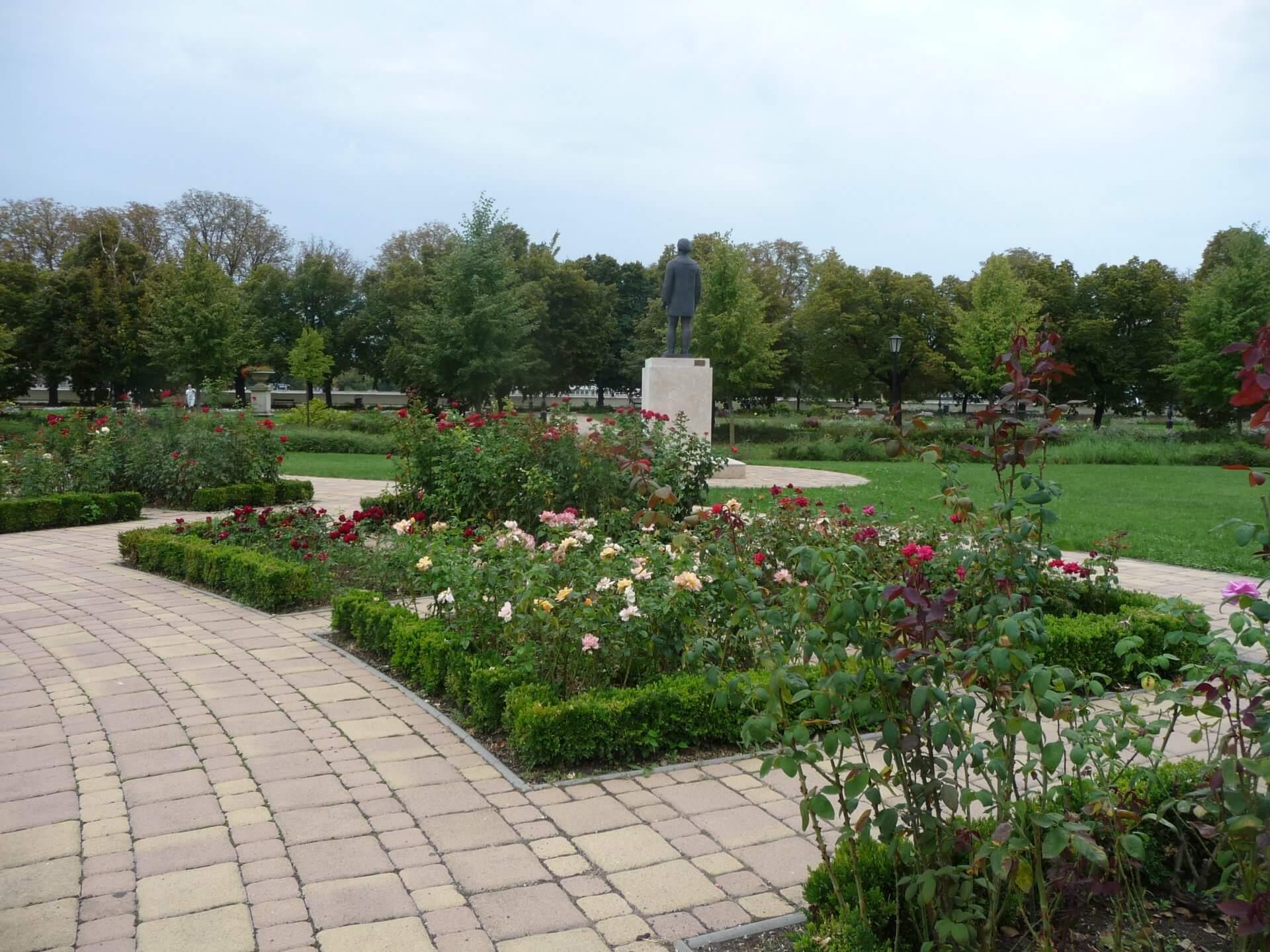 Im Rosengarten von Szolnok