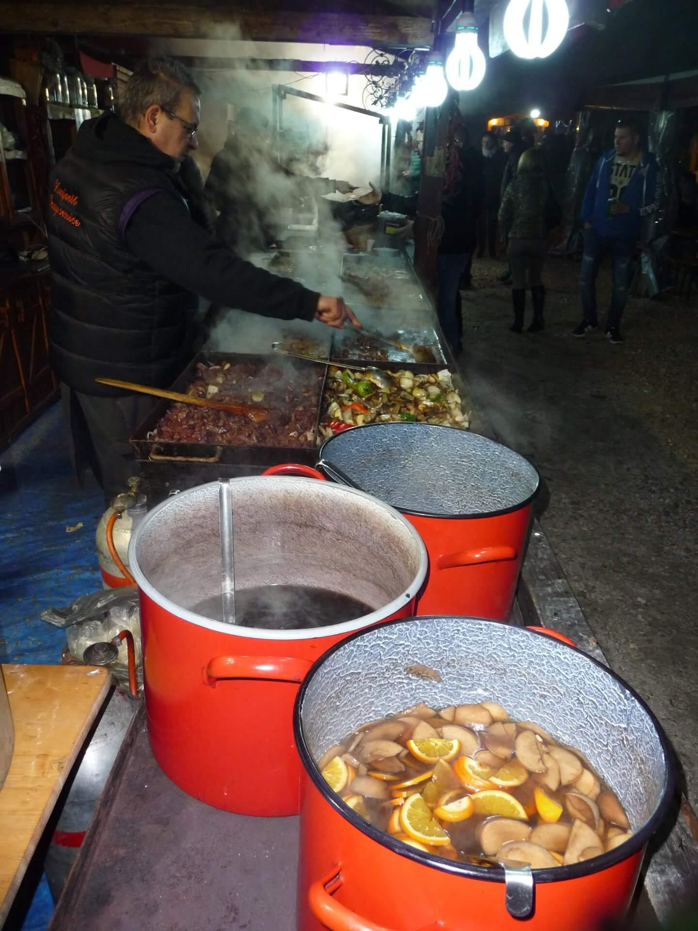Glühwein beim Wurstfest in Fonyód