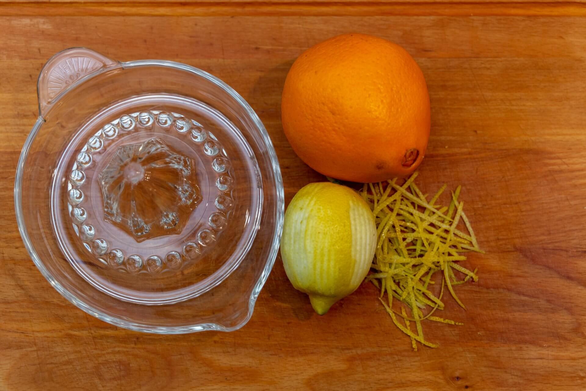Orangen- und Zitronensaft für Krampampuli