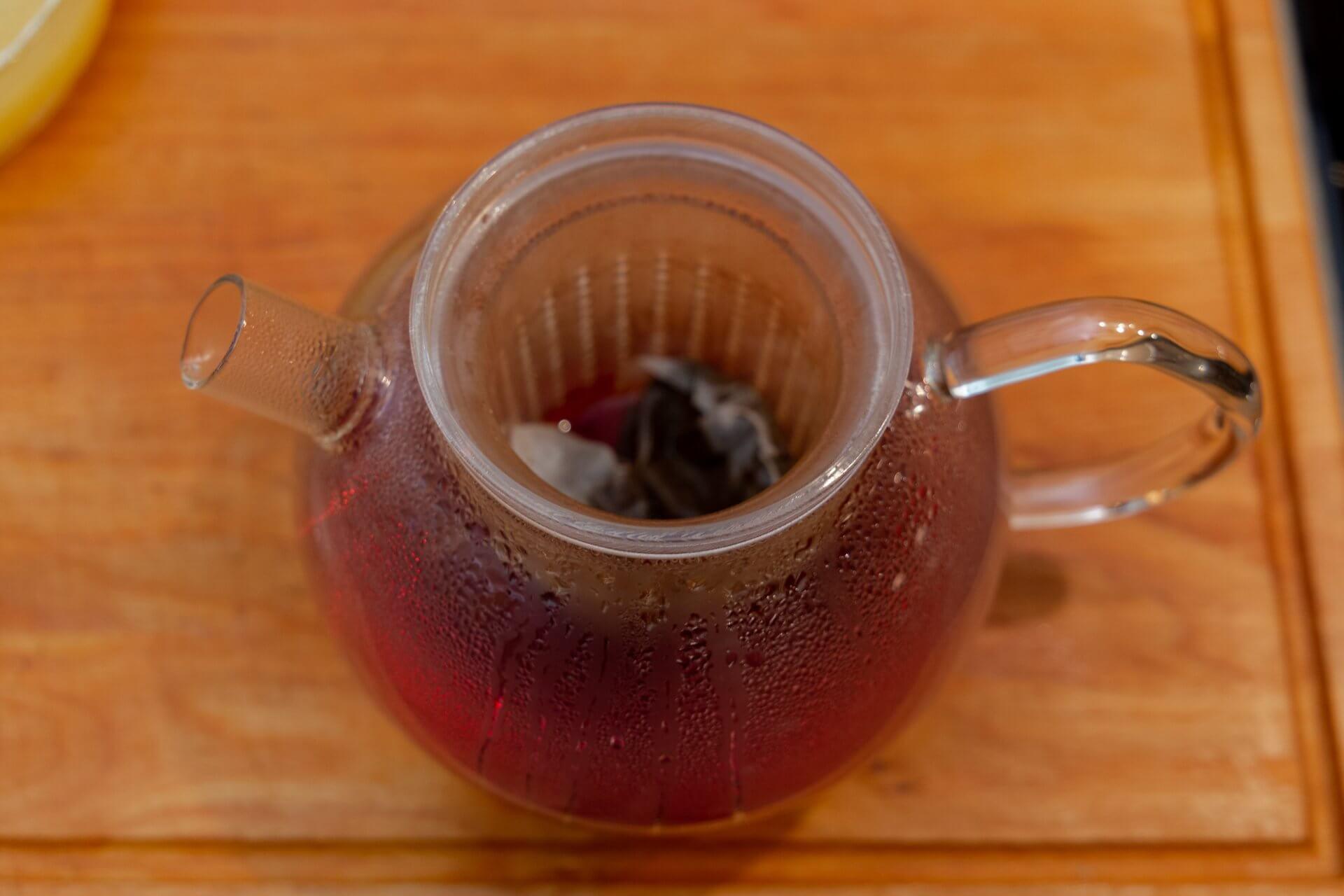 Schwarzer Tee gehört zum Krampampuli