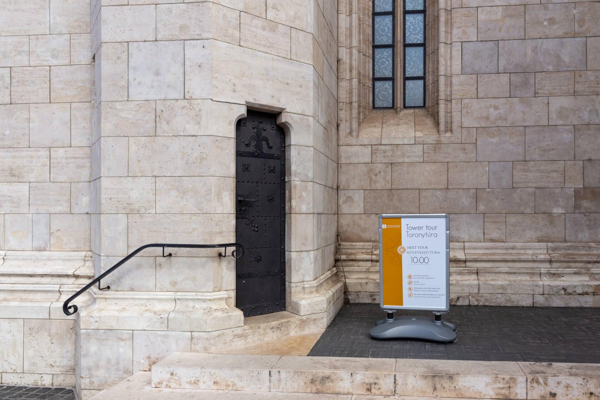 Eingang zum Matthiasturm