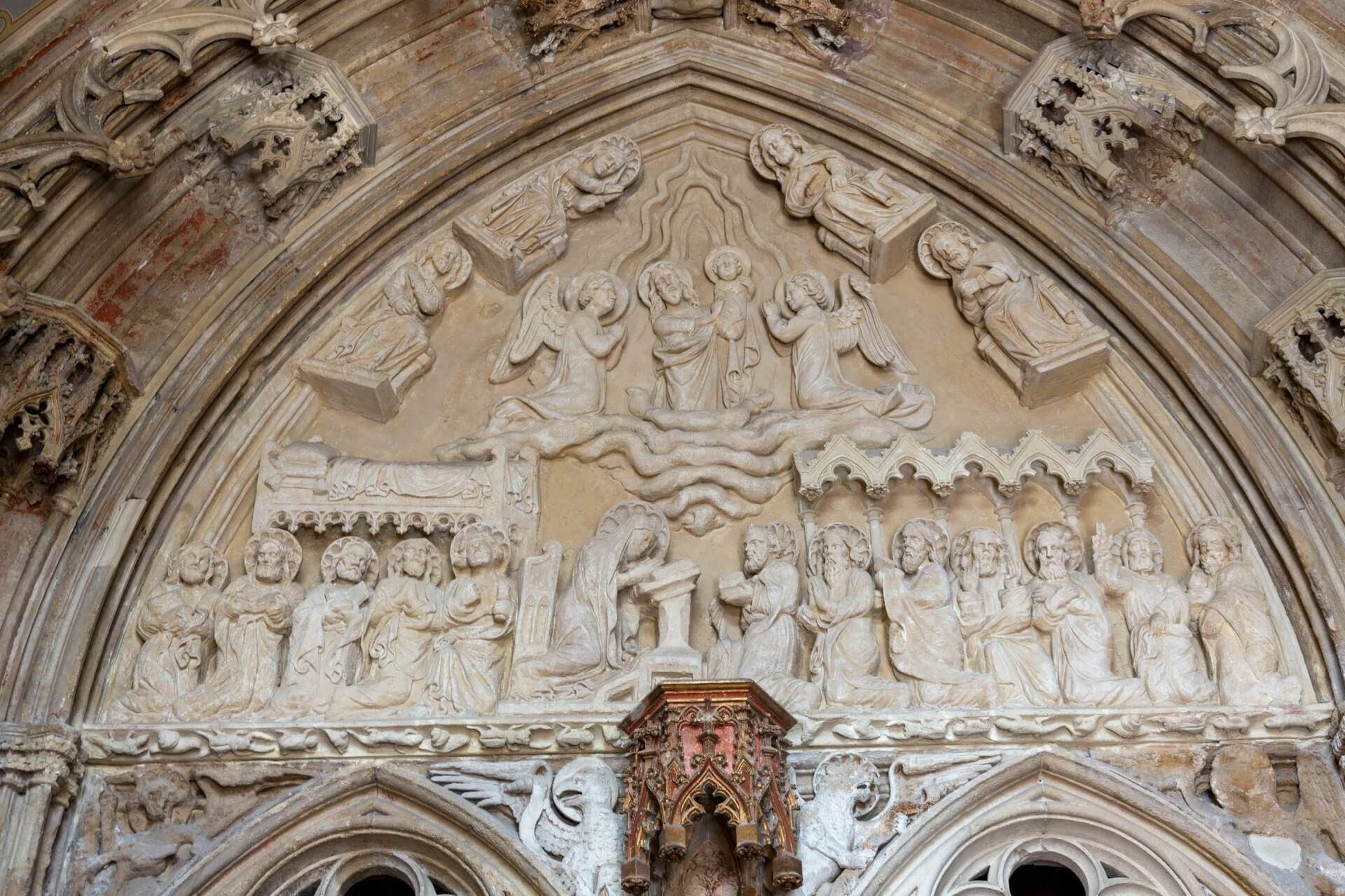 Relief am Marientor der Matthiaskirche