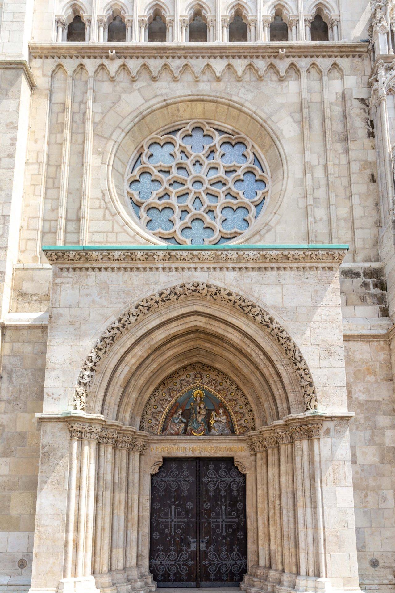 Westportal der Matthiaskirche