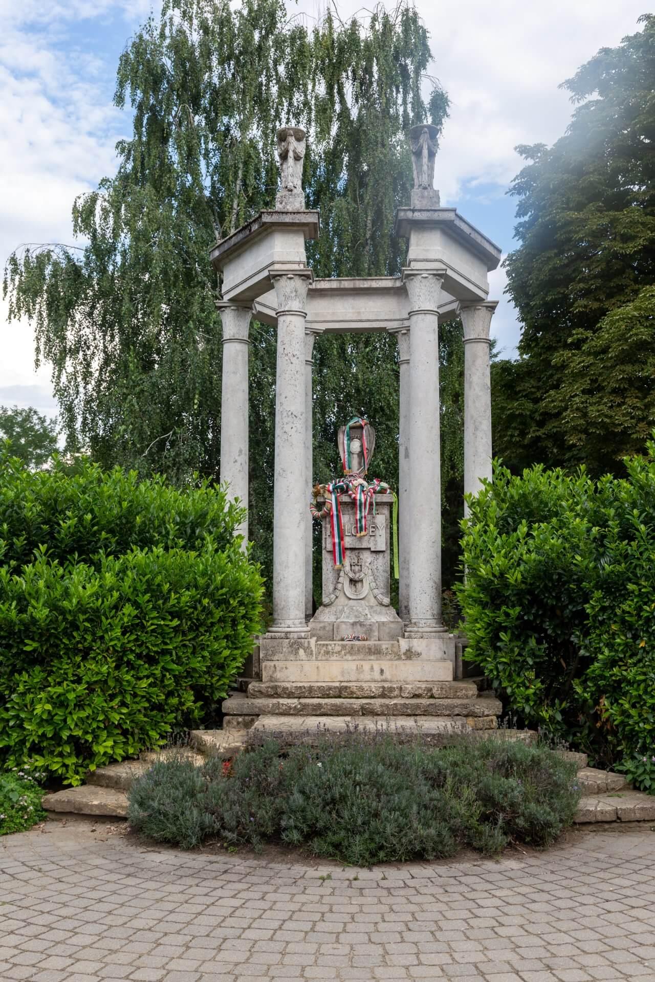 Grabmal von Ferenc Kölcsey in Szatmárcseke