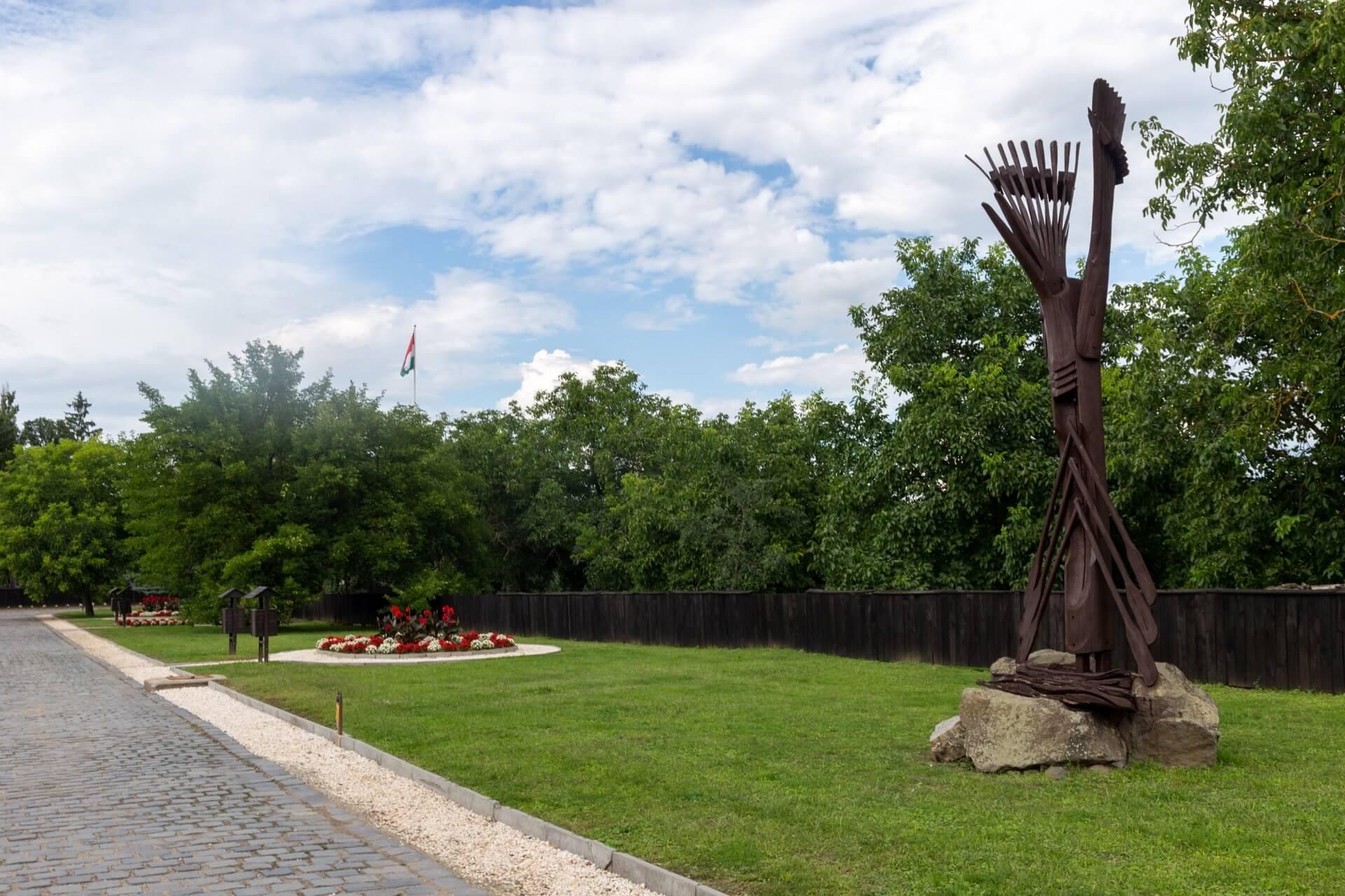 Skulptur Symbol von Szatmárcseke